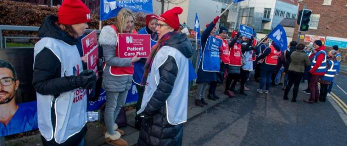 Northern Ireland nurses accept pay and staffing offer