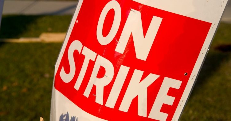 Nurses could still strike after 3% pay rise, say unions