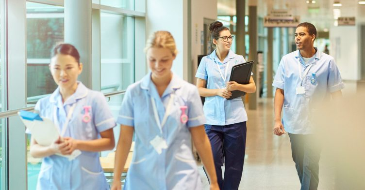 Unions advise Scottish nurses to reject 4% pay offer
