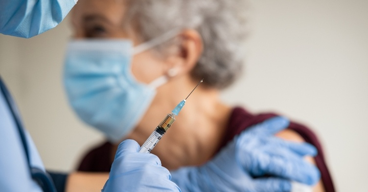 Care home vaccinations deadline 'on track', says NHSE
